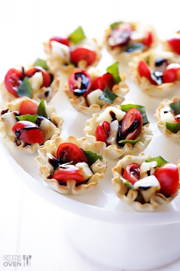 9 Quick Easy New Years Eve Finger Foods Caprese Cups