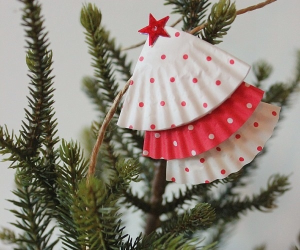 Diy christmas garlands that you can make with kids thegoodstuff