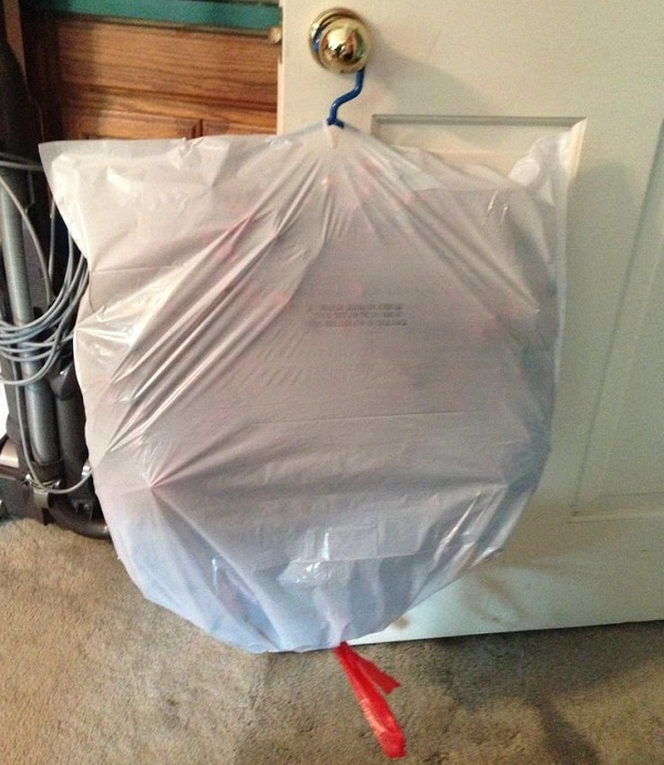 Hang a Wreath in a Trash Bag