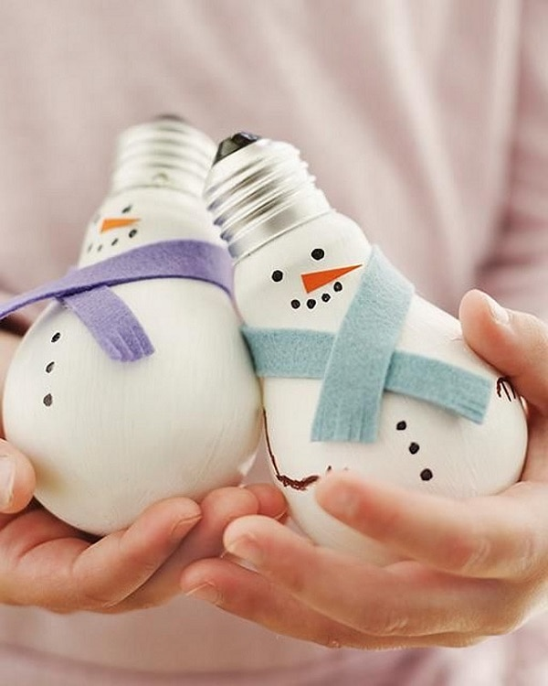 Light-bulb Snowmen