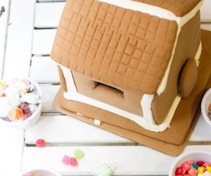 Time-Saving Gingerbread Houses