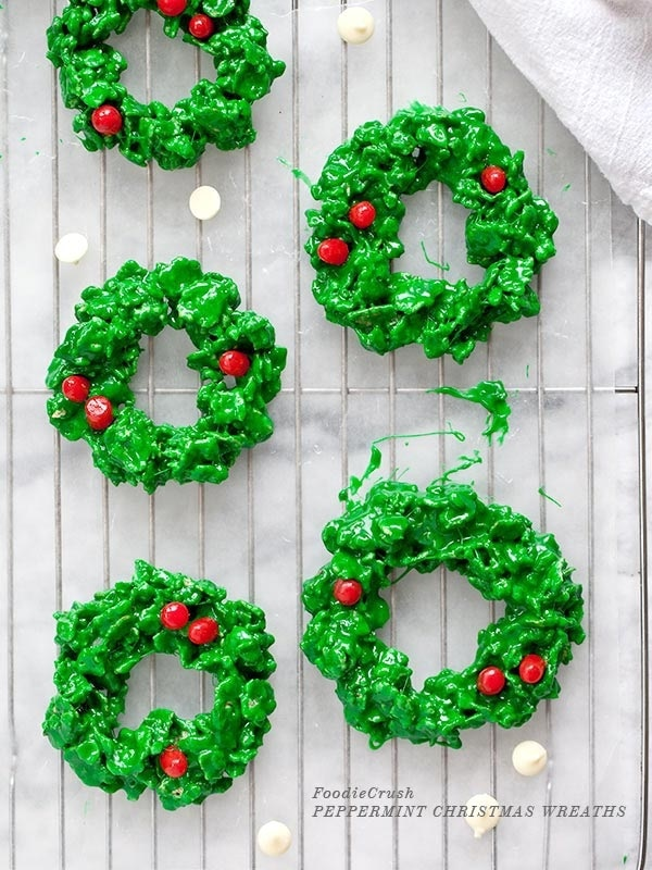 White Chocolate Cookie Wreaths