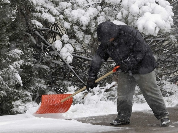 Properly Prep Your Snow Shovel