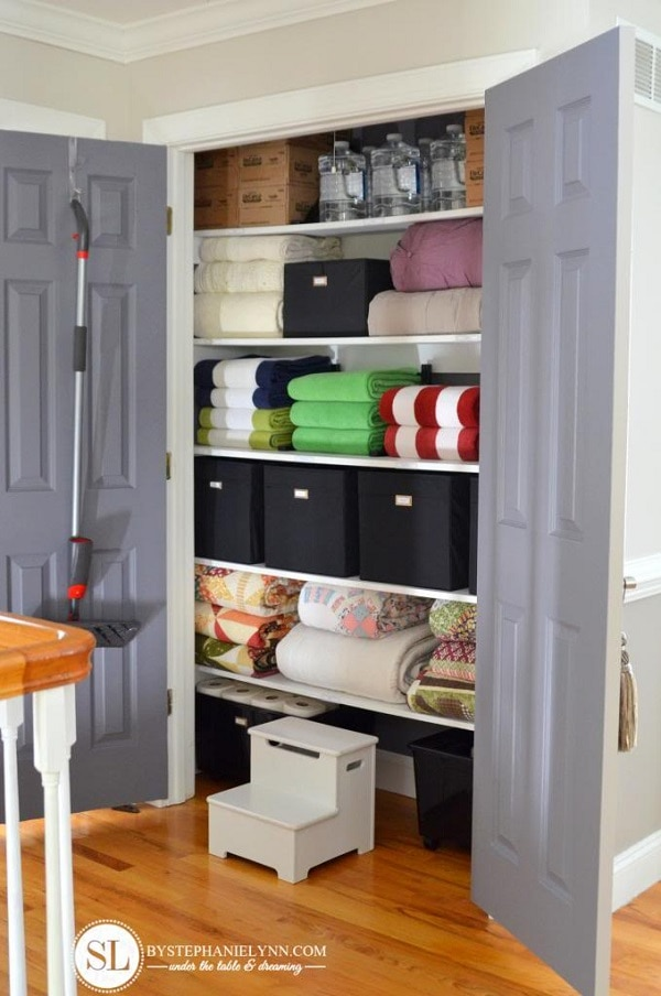 Good Organize Your Linen Closet Part - 10: 15 Tips And Tricks For Organizing Your Linen Closet | Thegoodstuff