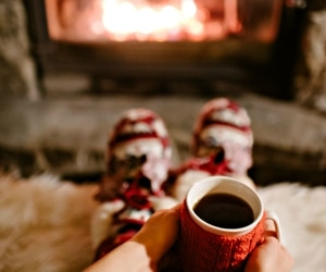 20 Winter Survival Hacks to Keep You Warm & Cozy