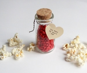 Pink Popcorn Heart Pops featured
