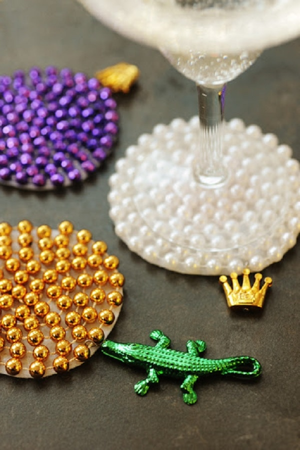 15 Crafts to Make with Mardi Gras Beads - thegoodstuff