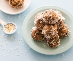 Oatmeal Cookie Energy Balls (Exclusive Recipe)