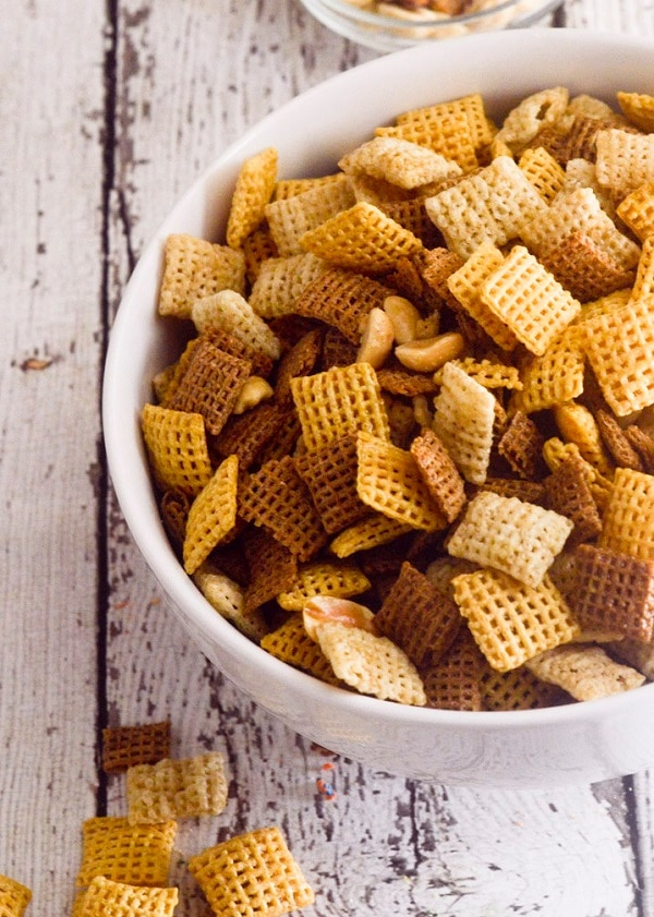 Skinny Party Chex Mix