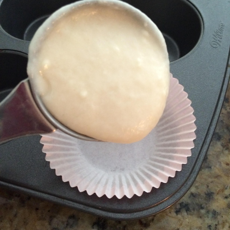 bake cupcake