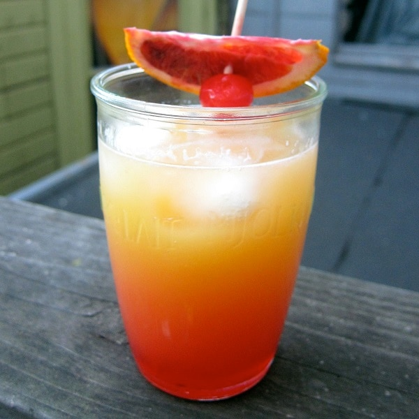 Tropical drinks to get ready for spring break thegoodstuff for Drinks you can make with tequila