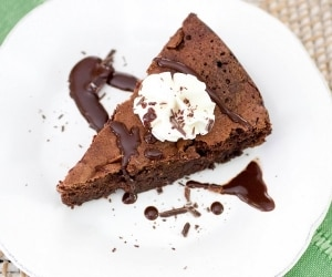 Whiskey Chocolate Flourless Cake (Exclusive Recipe)