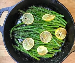Roasted Asparagus Beauty-featured