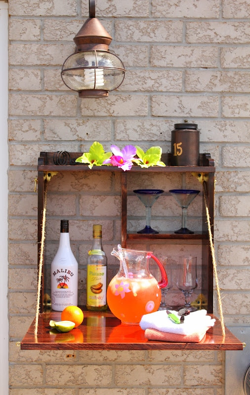 20 Adorable Outdoor Drink Stations For Every Occasion