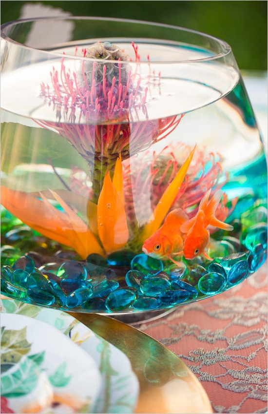 22 Eye Catching Amp Inexpensive Diy Wedding Centerpieces Thegoodstuff
