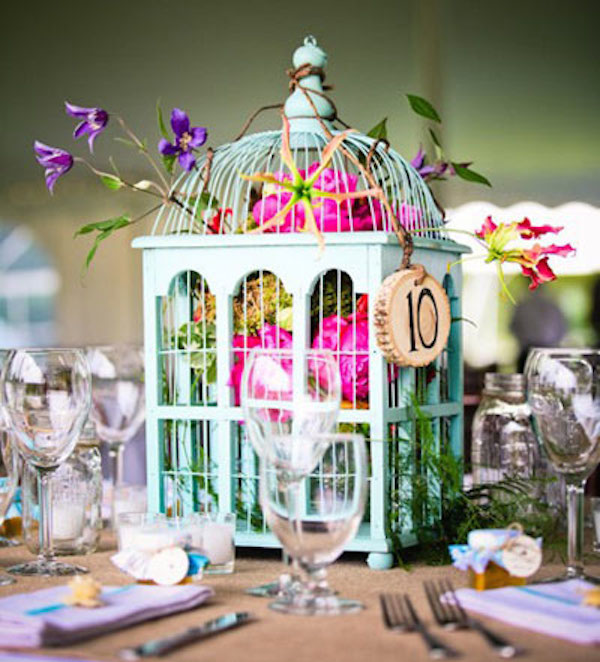 22 Eye Catching Inexpensive DIY Wedding Centerpieces Floral Birdcage Centerpiece Idea