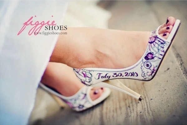 20 DIY Wedding Shoes for Every Bridal Style: Painted Pumps | thegoodstuff