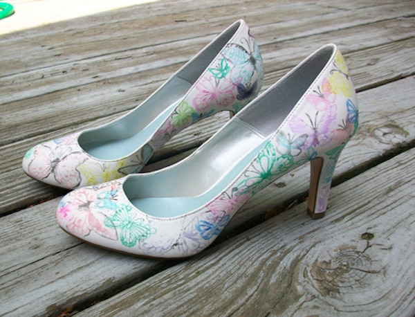 20 DIY Wedding Shoes for Every Bridal Style | thegoodstuff