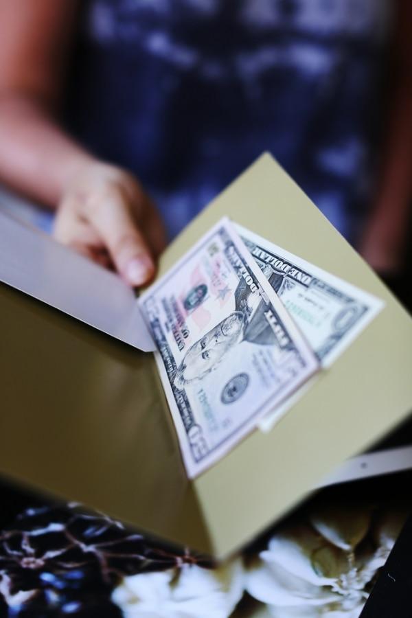 Hidden Wedding Costs: Wedding vendor tips