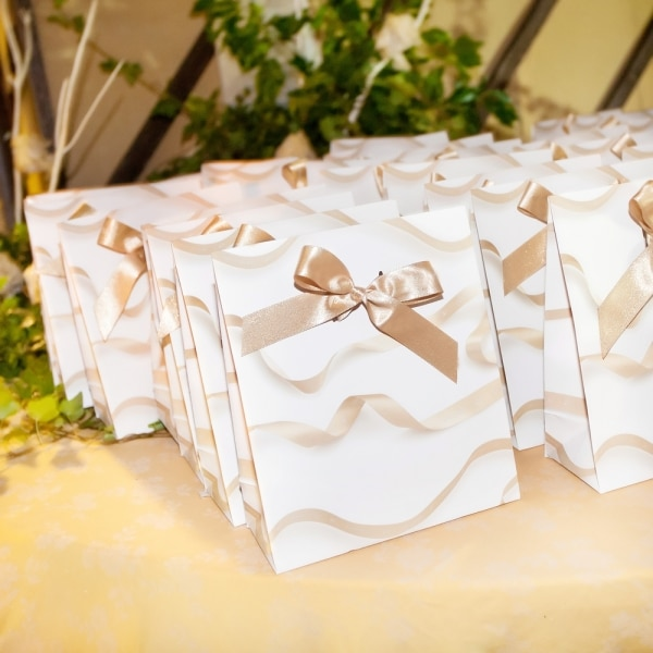 Hidden Wedding Costs: Wedding guest gifts