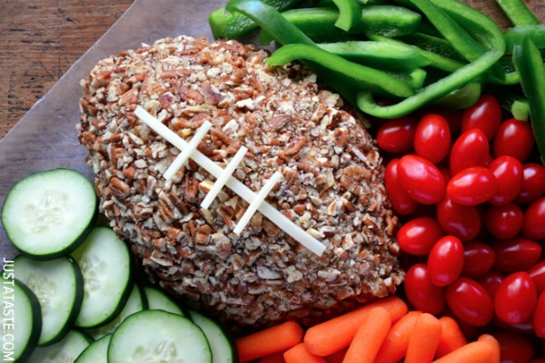 Party Eats: Sports Themed Cheese Ball Dishes