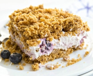 Summer Potluck Recipes: Blueberry Crunch No-Bake Cake