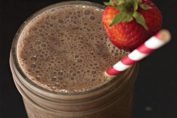 10 Easy Smoothie Recipes for Families On the Go