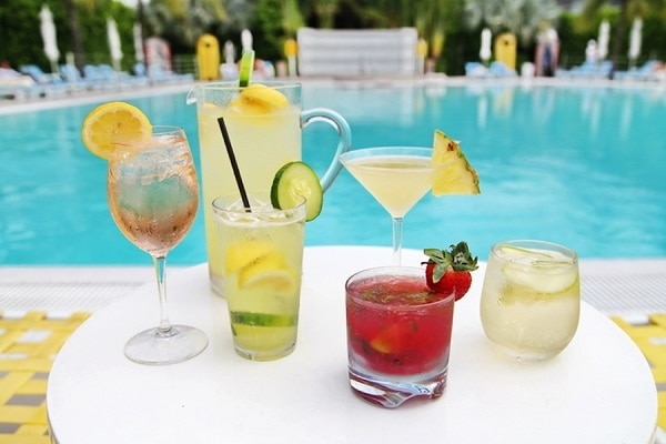 Tropical Drinks to Get Ready for Spring Break