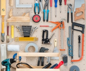 Tidy Up! 5 Easy Garage Organizing Tips