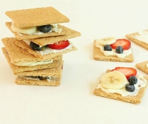 fruit-sandwiches_feata