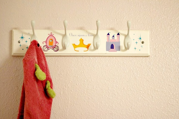 organizing-tips-for-kids'-bathrooms_01