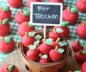 teacher-apple-treats_feat