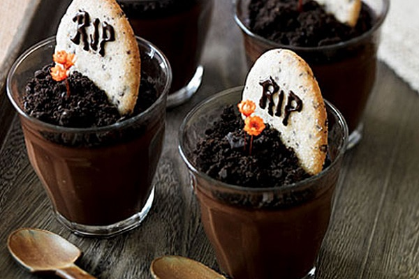 7 Zombie-Themed Treats for Halloween
