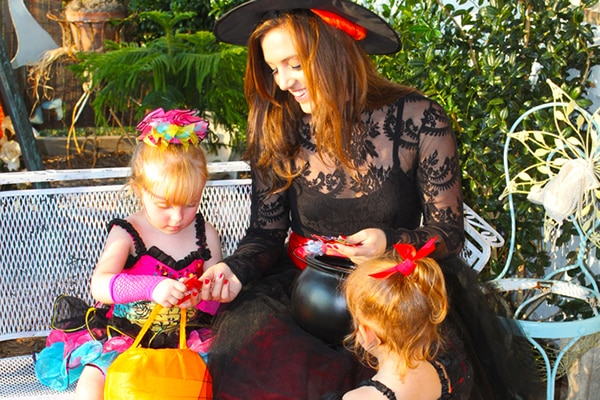 6 Adorable & Fun Family Halloween Costumes