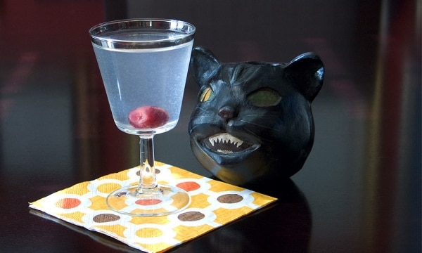 Beware! The 10 Best Halloween Cocktails: Cat's Eye | thegoodstuff