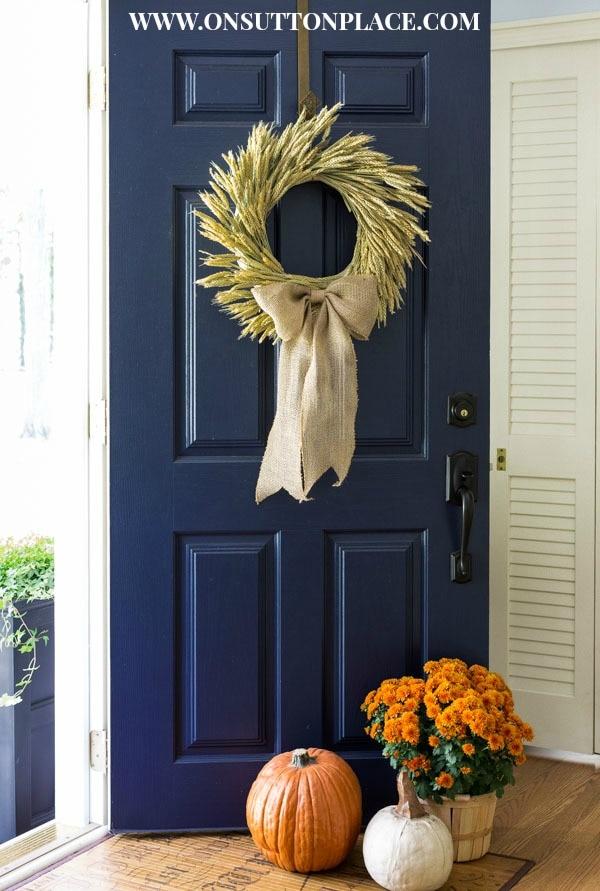 20 DIY Thanksgiving & Christmas Wreath Ideas: Wheat Wreath | thegoodstuff