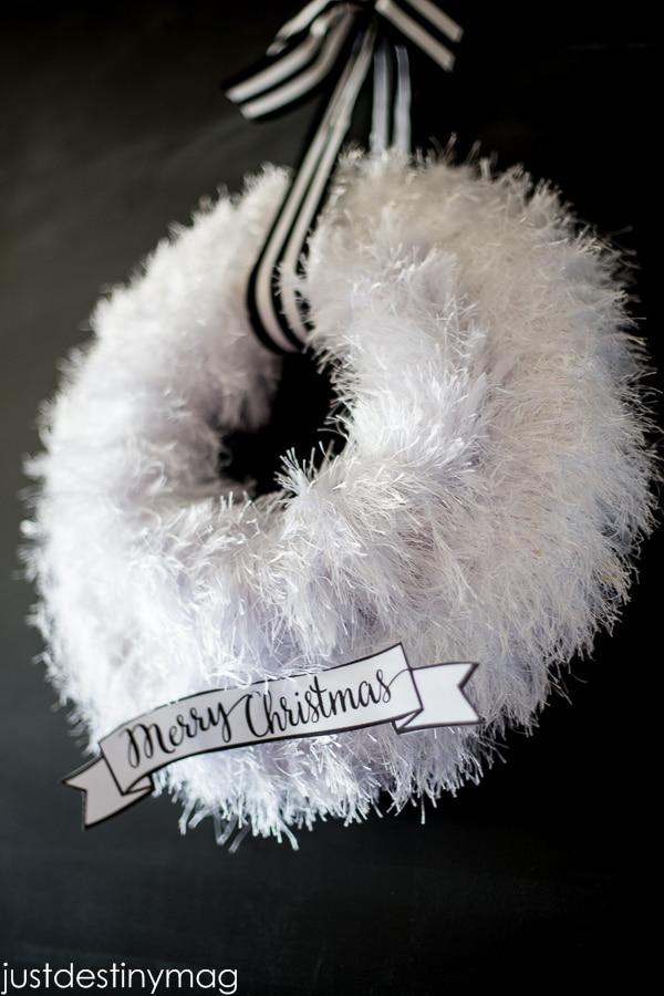 20 DIY Thanksgiving & Christmas Wreath Ideas: Furry Christmas Wreath | thegoodstuff