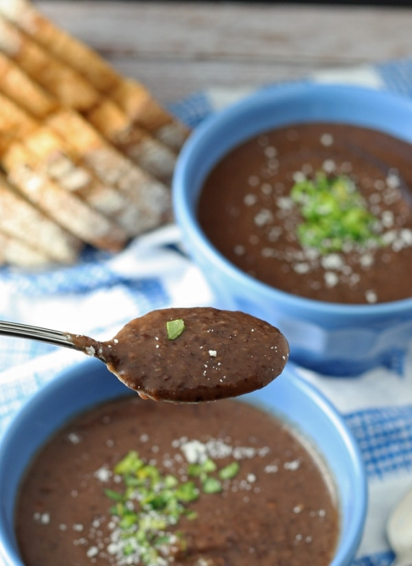 Easy Dinner Recipes: Easy Black Bean Soup | thegoodstuff