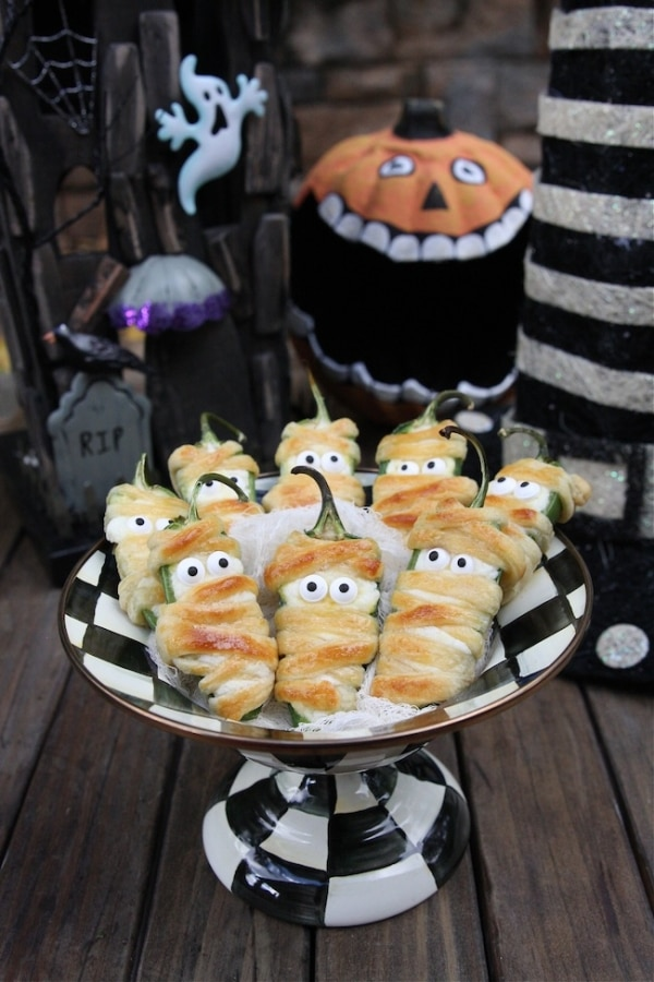 10 Easy Halloween Appetizers For Your Ghoulish Guests