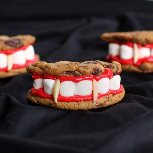 Easy Halloween Appetizers: Dracula's Dentures | thegoodstuff
