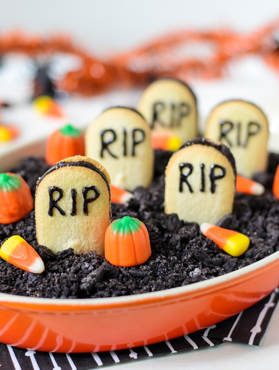 Easy Halloween Appetizers: Chocolate Cheesecake Graveyard Dip | thegoodstuff