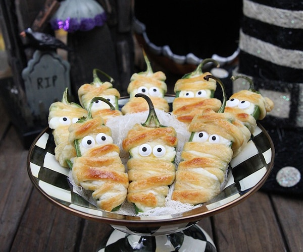 Halloween is the perfect time for parties. It is a chance to dress up in a ridiculous costume and just have fun. We think the best part of Halloween parties are the food. It's a chance to turn normal party snacks and appetizers into spooky treats. It can be simple to turn a dish into a Halloween themed meal.