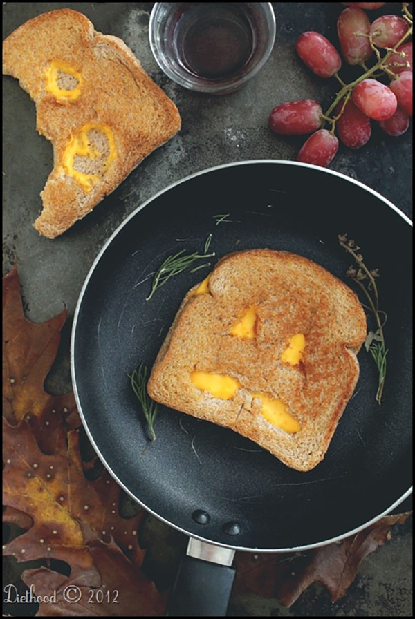 Halloween Dinner Ideas: Jack-O'-Lantern Grilled Cheese| thegoodstuff