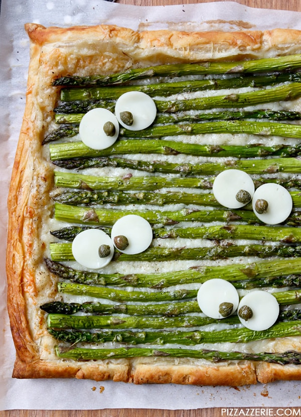 Halloween Dinner Ideas: Monster Eye Asparagus Tart | thegoodstuff