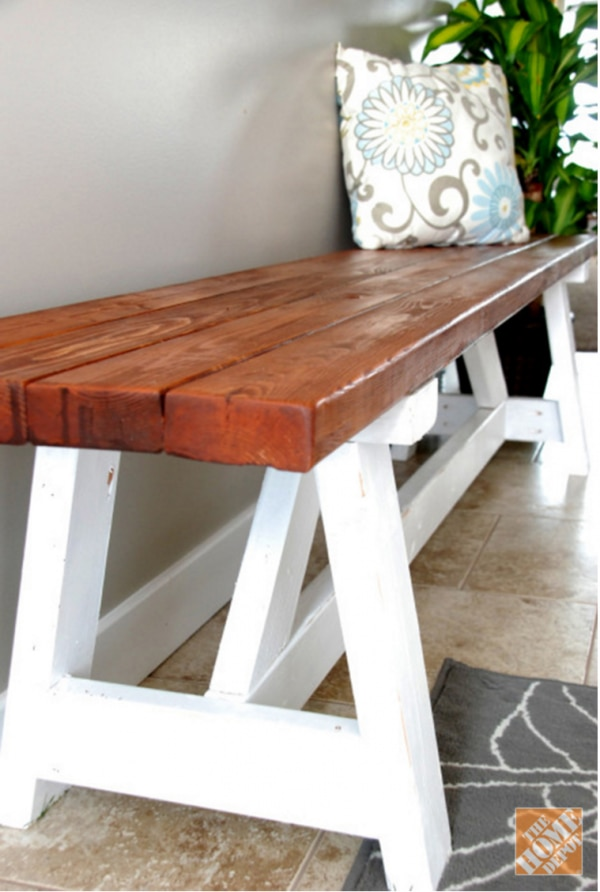 How to Organize Your Entryway: DIY Farhmouse Bench | thegoodstuff