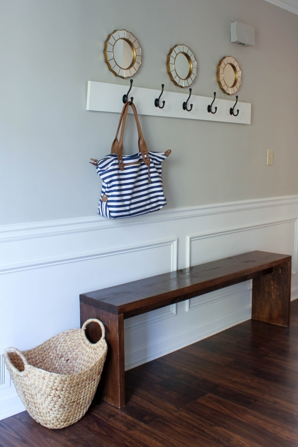 How to Organize Your Entryway: Simple & Clean Bench | thegoodstuff