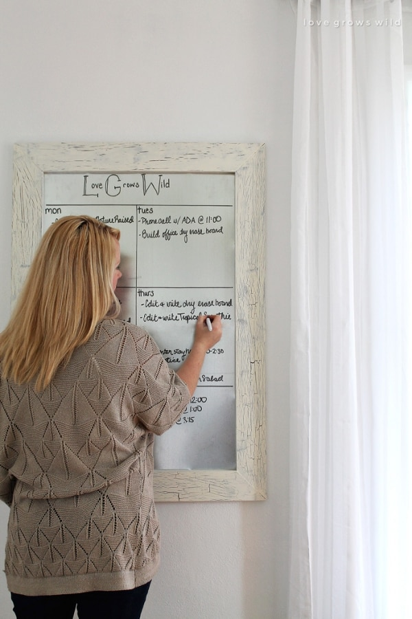 How to Organize Your Entryway: Framed Dry-Erase Board | thegoodstuff