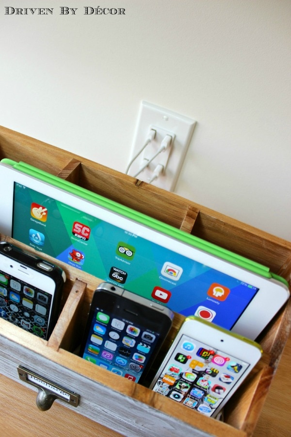 How to Organize Your Entryway: Family Charging Station | thegoodstuff