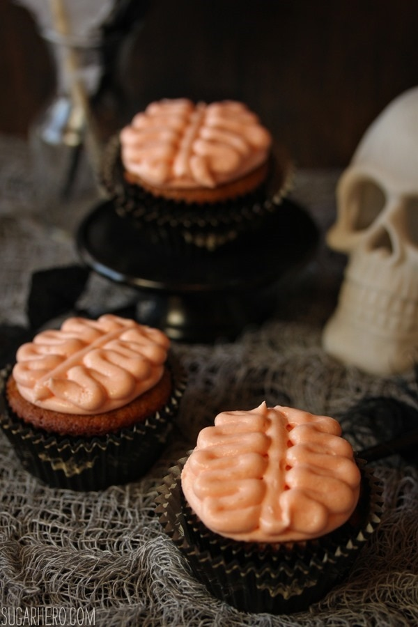 12 Halloween Cupcakes You'll Be Too Scared to Eat!: Brain Cupcakes | thegoodstuff