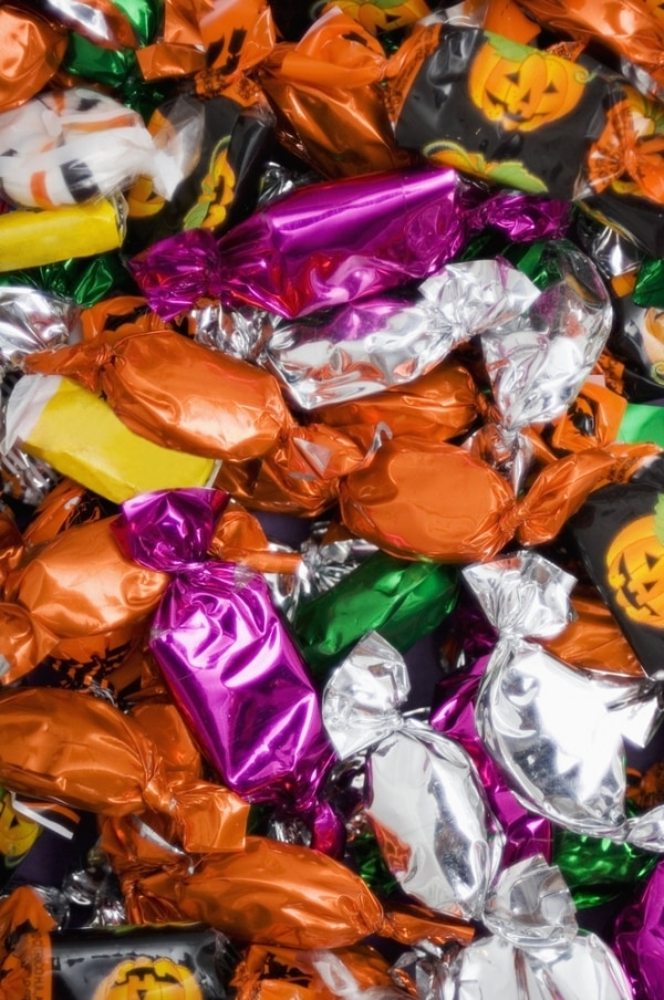 save-on-halloween-candy_02